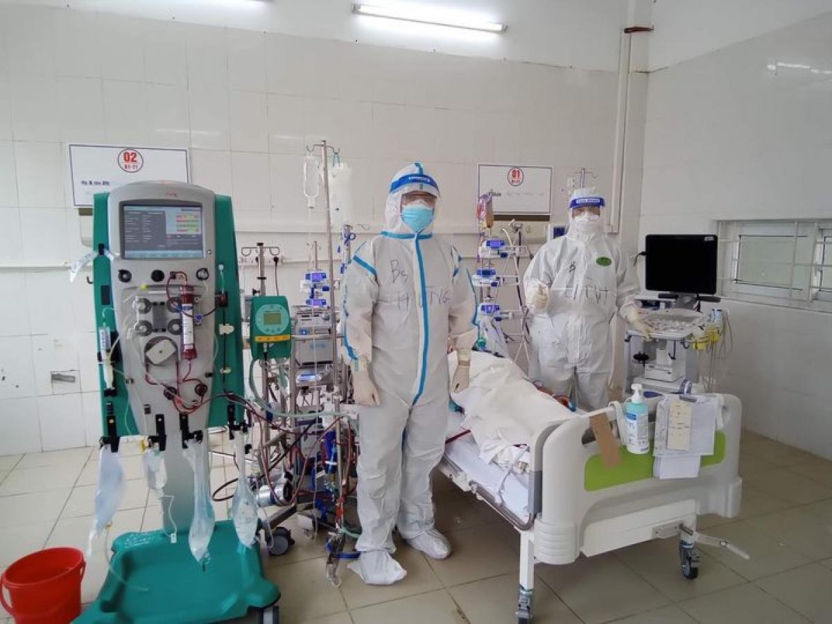 Bệnh nhân COVID-19 nặng đặt ECMO tạiTrung tâm hồi sức tích cực lớn nhất miền Bắc.