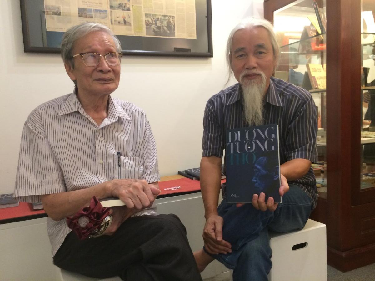 Nhà văn Nguyễn Xuân Khánh và nhà phê bình Phạm Xuân Nguyên (ảnh: NVCC).