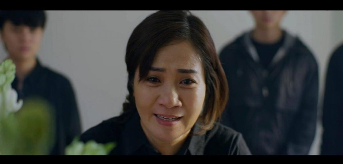 Bà Hoài thực sự hoá điên sau cái chết của Minh.