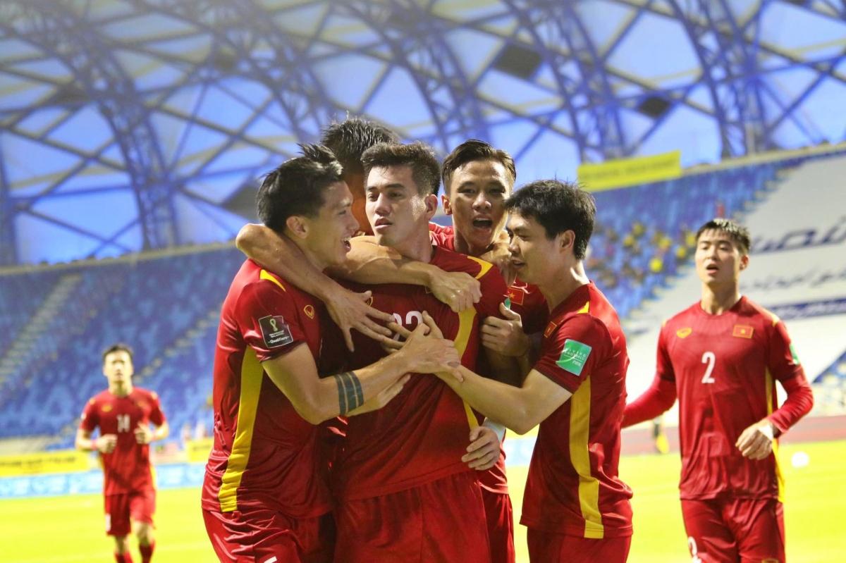 ĐT Việt Nam vượt lên dẫn trước lần thứ hai. (Ảnh: CTV Yểu Mai).