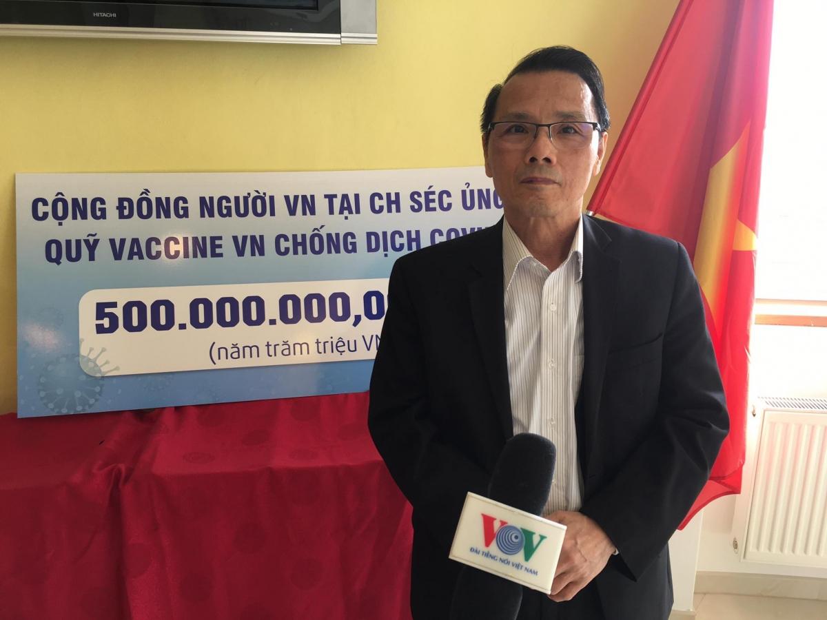 Ông Nguyễn Duy Nhiên, Chủ tịch Hội người Việt Nam tại CH Séc.