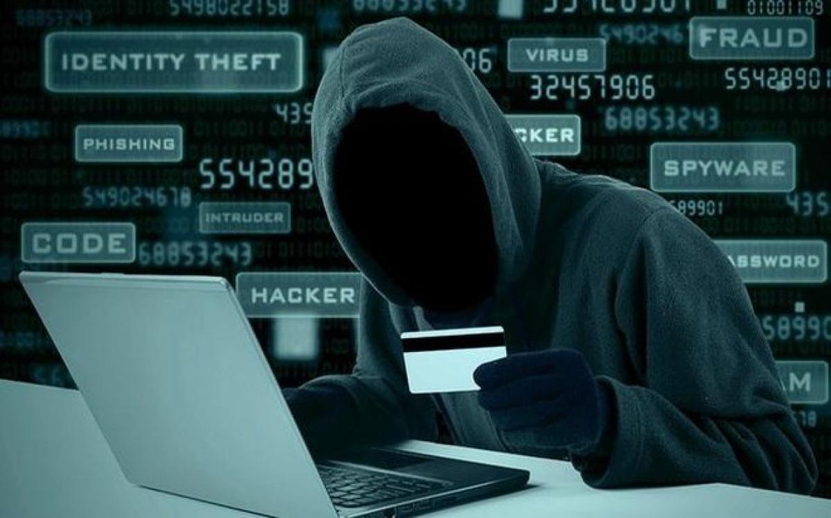 Để tránh mất tiền oan, các ngân hàng khuyến cáo khách hàng tuyệt đối không truy cập vào các tin nhắn, email có gắn link yêu cầu khách hàng cung cấp hoặc nhập mã đăng nhập, mật khẩu, OTP.