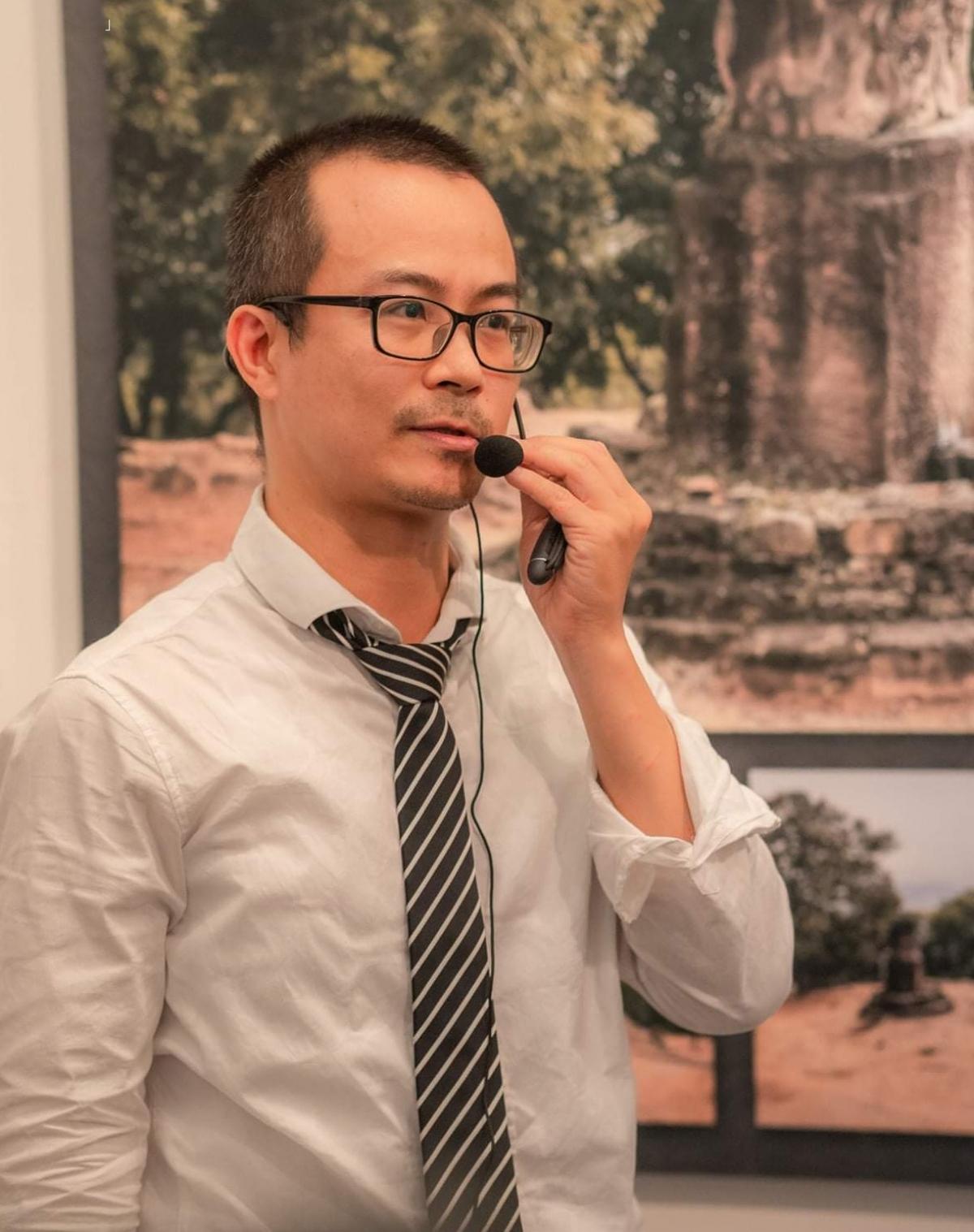 PGS.TS Trần Trọng Dương thuyết trình về số hoá di sản.