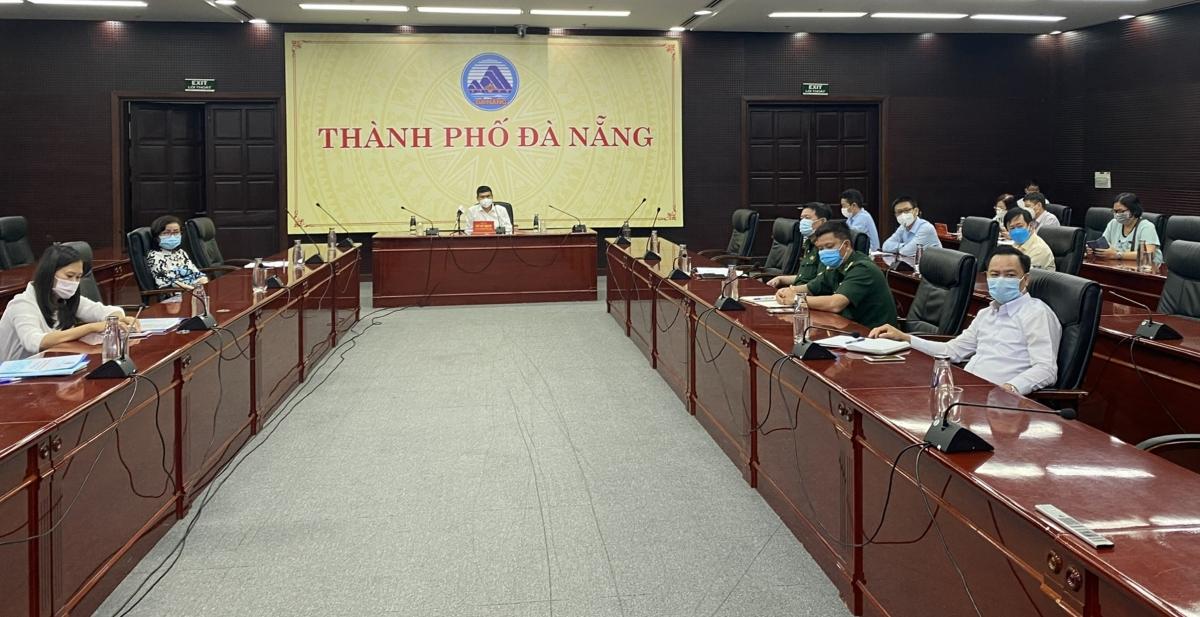 Chiều tối 18/6, Ban Chỉ đạo phòng, chống dịch TP Đà Nẵng họp bàn biện pháp tăng cường kiểm soát người đến từ vùng dịch.