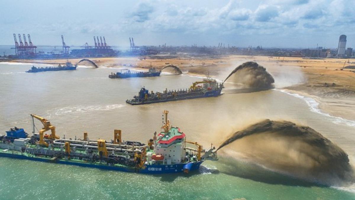 Công trường xây dựng Dự án phát triển thành phố cảng Colombo. (Ảnh: Tân Hoa Xã)