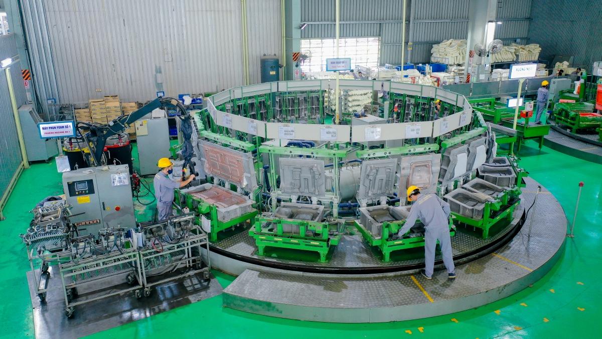 Máy phun foam - Nhà máy Ghế ô tô