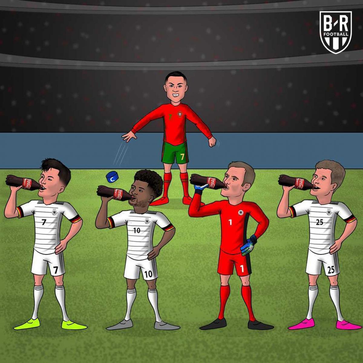 """Cristiano Ronaldo """"muối mặt"""" ở Allianz Arena. (Ảnh: Bleacher Reports)"""