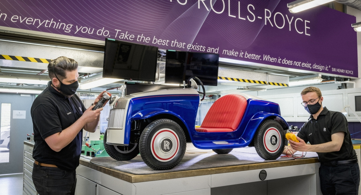 """Rolls-Royce SRH trở lại """"ngôi nhà""""của Rolls-Royce để được phục hồi trở lại như mới."""