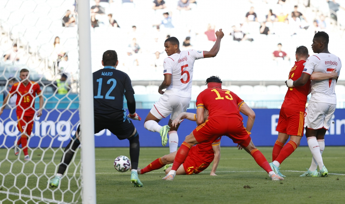 Có bàn dẫn trước, nhưng Thụy Sĩ nhanh chóng đánh mất thế trận vào tay Xứ Wales.