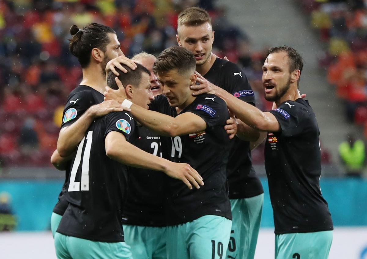 Áo vượt lên dẫn trước sau pha phối hợp ghi bàn mở tỷ số đẹp mắt. (Ảnh: Reuters)