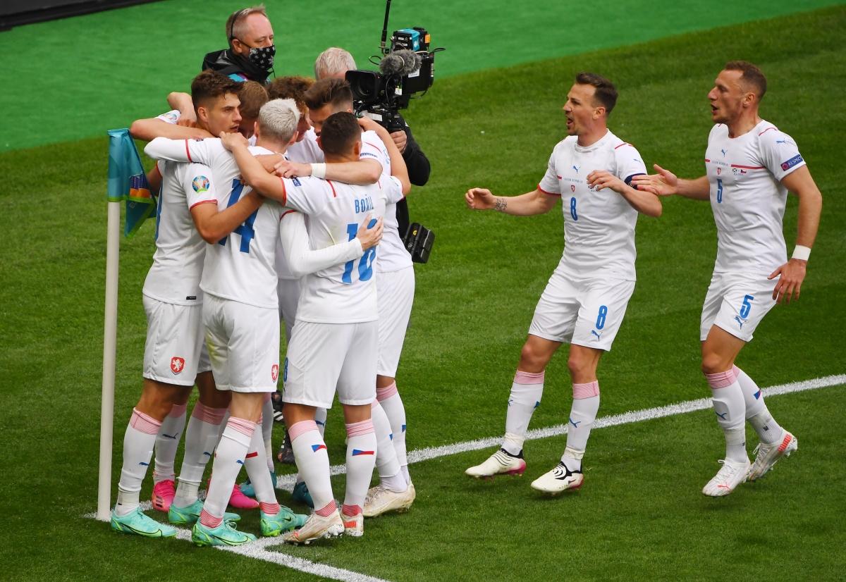 CH Séc giành chiến thắng 2-0 trước Scotland (Ảnh: Reuters).