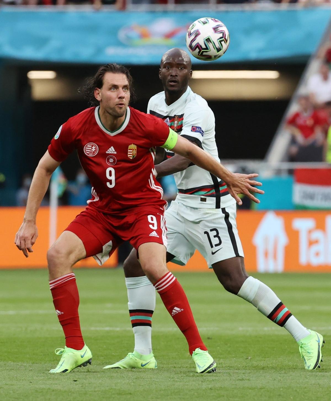 Hungary chơi phòng ngự phản công rất tốt (Ảnh: Reuters).