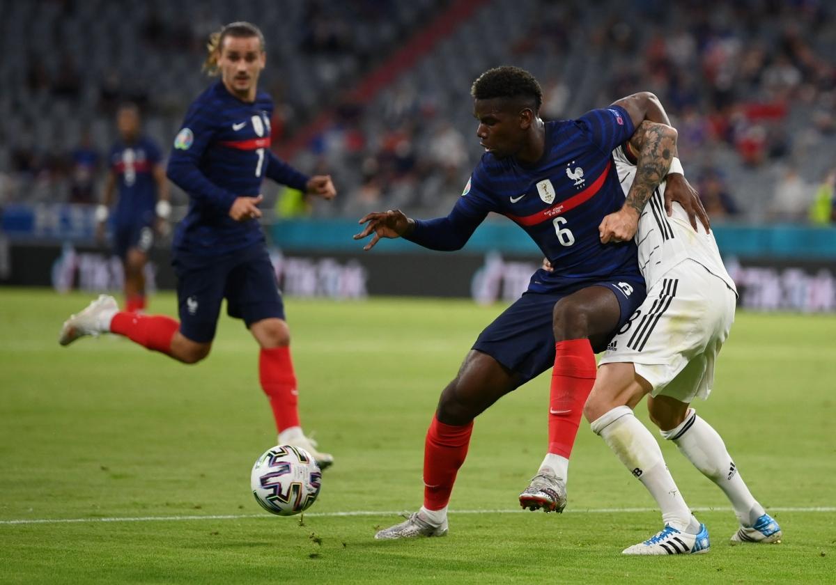 ĐT Pháp vẫn đang chơi chủ động trước sức ép liên tục từ ĐT Đức. (Ảnh: Reuters).