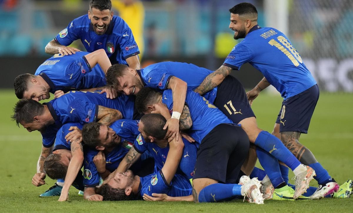Theo BLV Huy Phước, Italia vẫn sẽ ra sân đấu xứ Wales với đội hình mạnh nhất có thể. (Ảnh: Reuters).