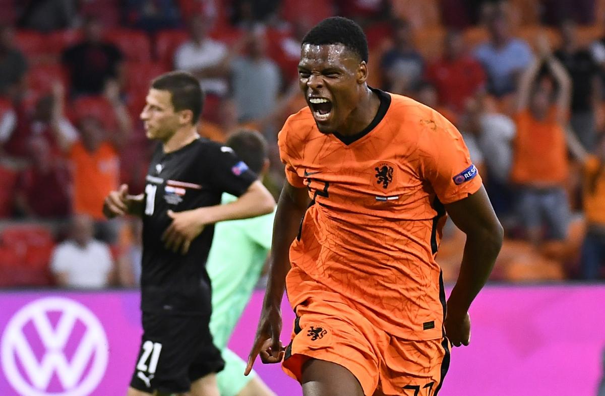 Dumfries là nhân tố gây bất ngờ của Hà Lan ở EURO 2021. (Ảnh: Reuters)