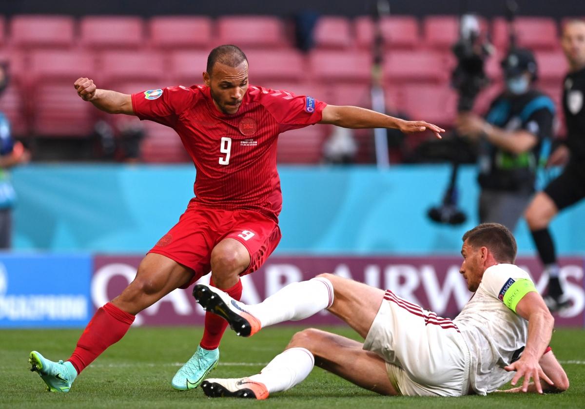 Bỉ nhập cuộc đầy lúng túng trước một Đan Mạch thi đấu máu lửa. (Ảnh: Reuters)