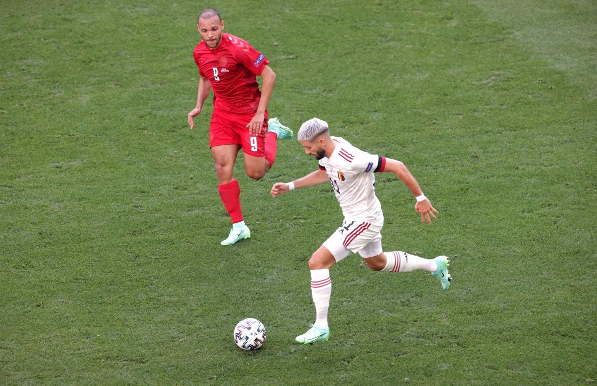 Nỗ lực của Carrasco bên cánh trái giúp Bỉ có đợt lên bóng và tình huống phạt góc nguy hiểm. (Ảnh: Reuters)