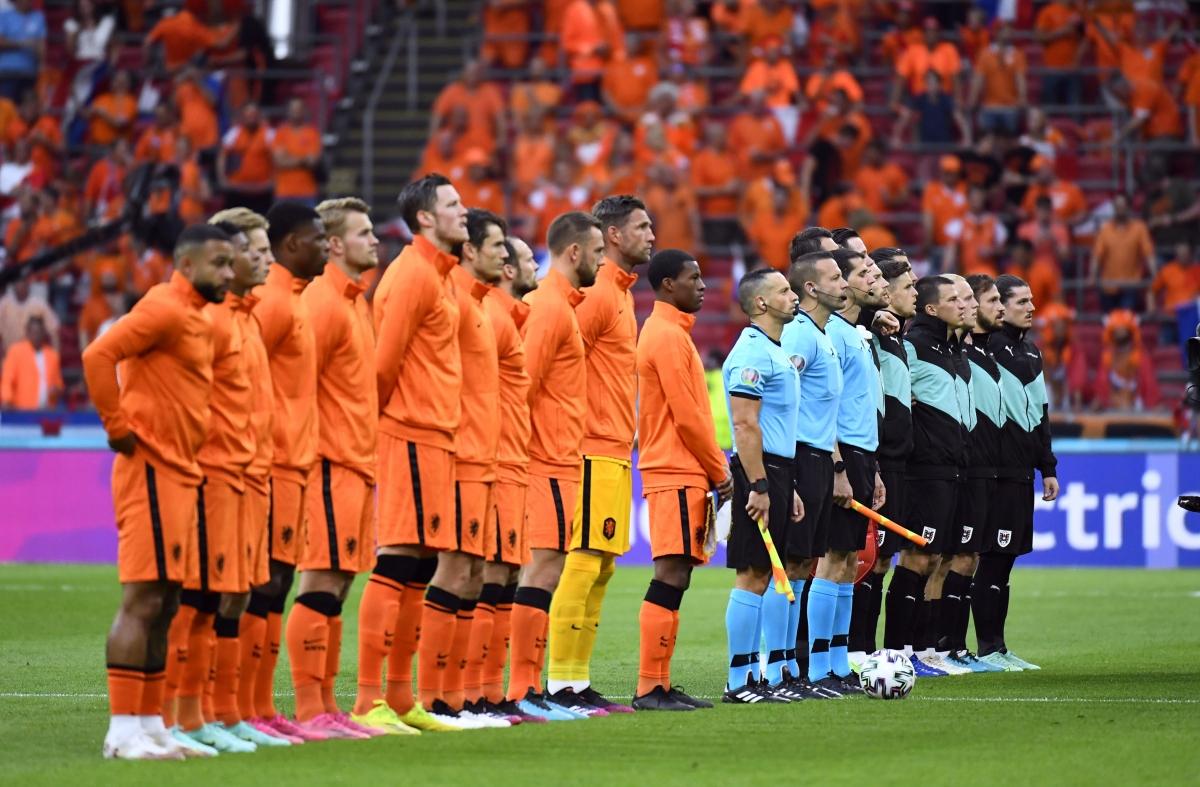 Đội thắng trong trận này sẽ giành tấm vé đi tiếp đầu tiên tại bảng C. (Ảnh: Reuters)