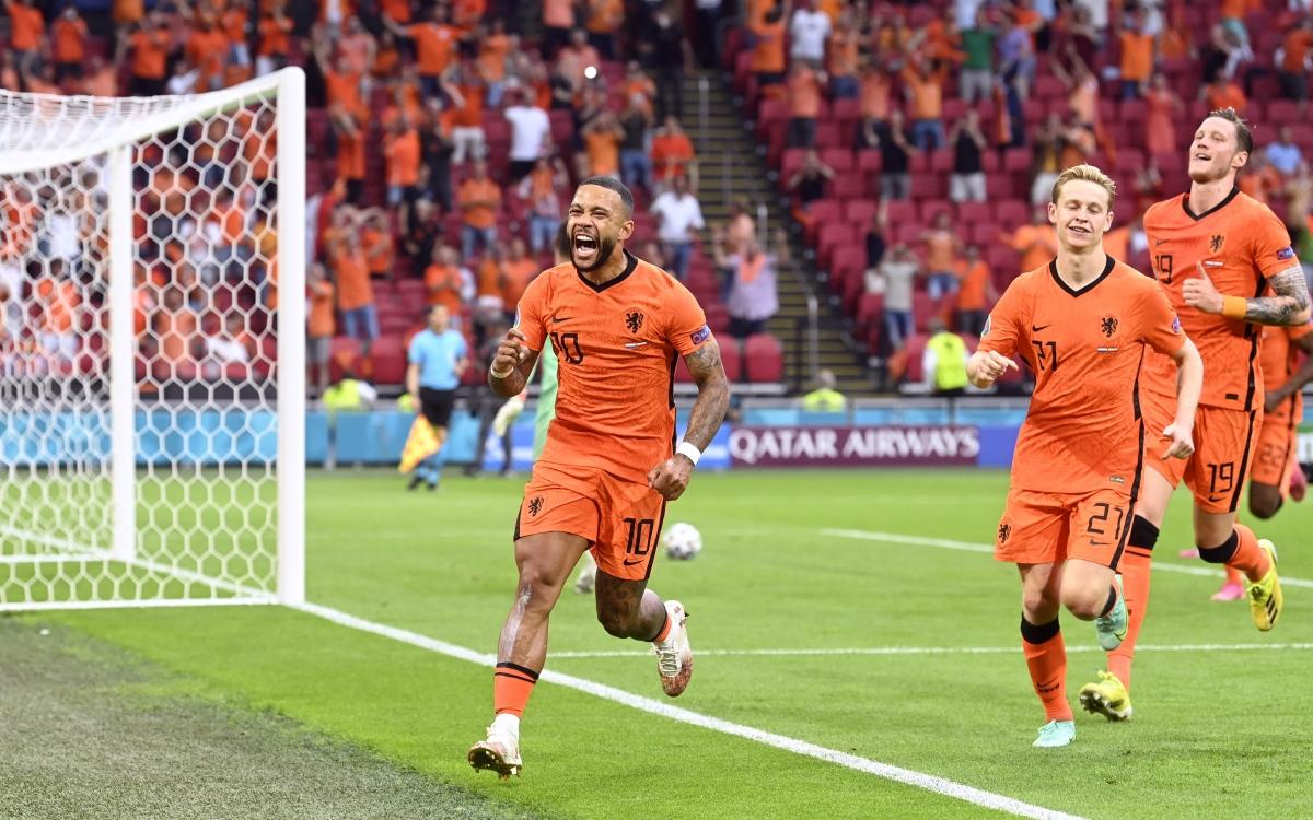 Depay đưa Hà Lan vượt lên dẫn trước Áo. (Ảnh: Reuters)