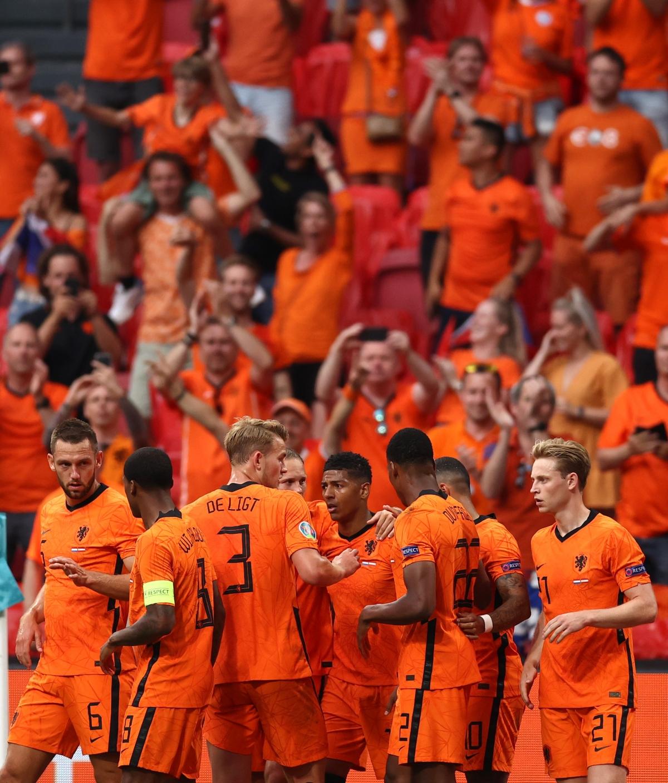 Hà Lan là đội đầu tiên ở bảng C góp mặt ở vòng knock-out EURO 2021. (Ảnh: Reuters)