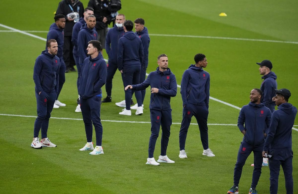Các cầu thủ Anh đã có mặt ở Wembley từ rất sớm. (Ảnh: Reuters).