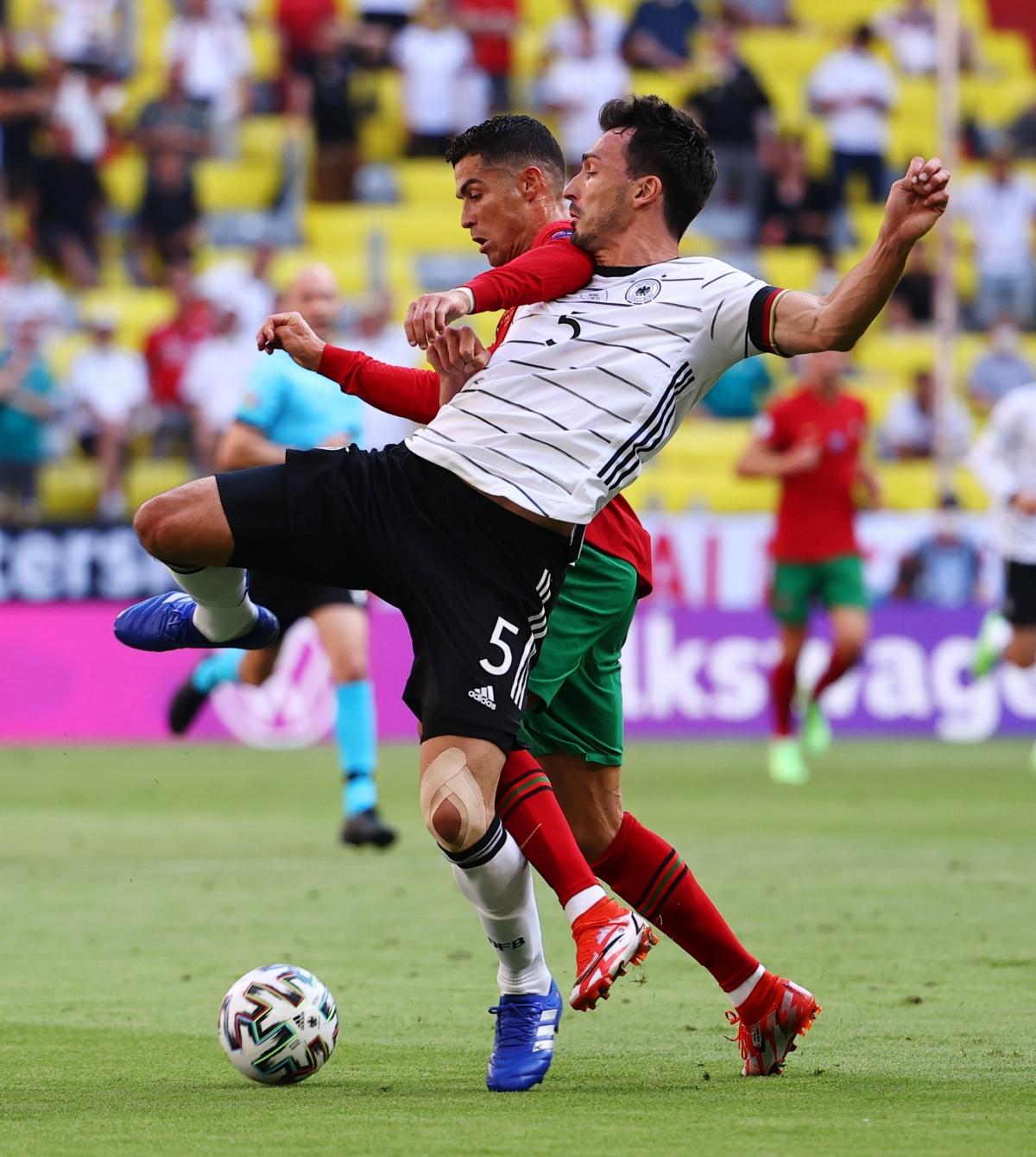 Ronaldo đang chơi rất hay (Ảnh: Reuters).