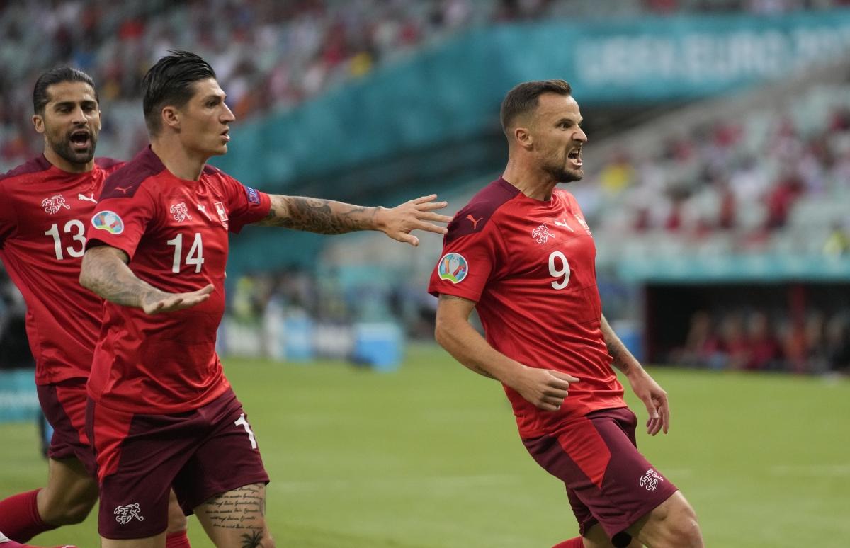Thụy Sĩ vượt lên dẫn trước ngay khi có cơ hội đầu tiên. (Ảnh: Reuters)