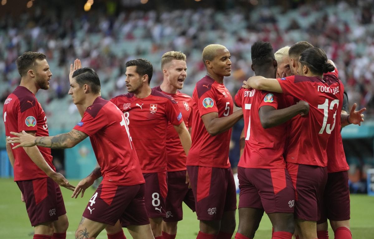 Thụy Sĩ nắm lợi thế khi bước vào giờ nghỉ. (Ảnh: Reuters)