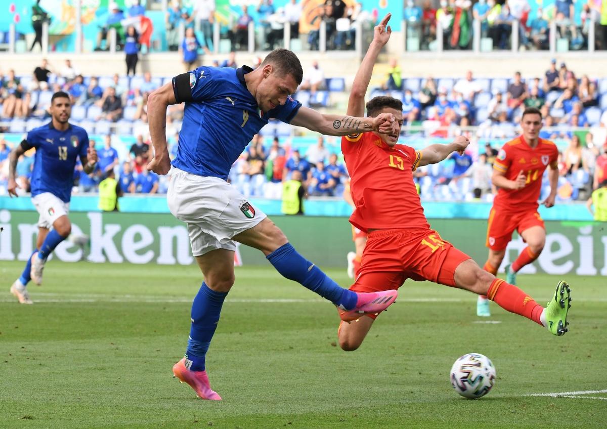 Italia vẫn duy trì lối chơi nhịp nhàng như ở 2 trận đầu tiên.