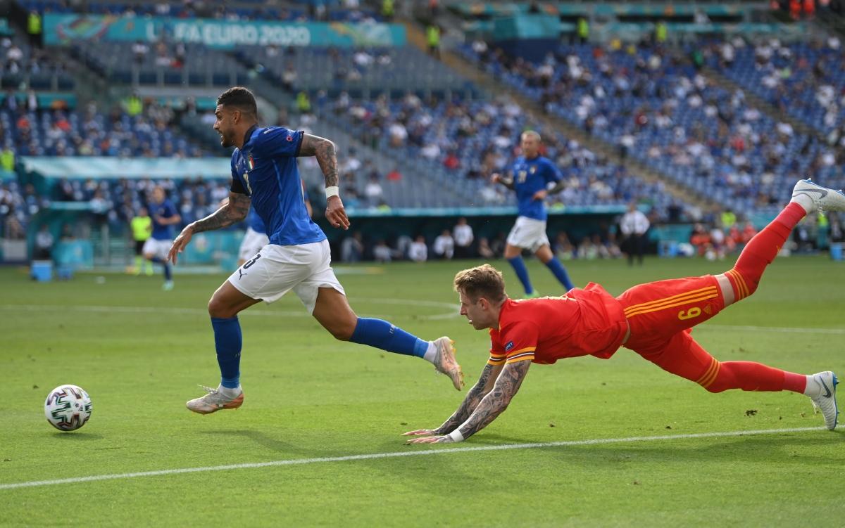 """Italia chứng tỏ chiều sâu lực lượng ấn tượng khi đội hình """"siêu dự bị"""" cũng đủ để """"bắt nạt"""" Xứ Wales."""