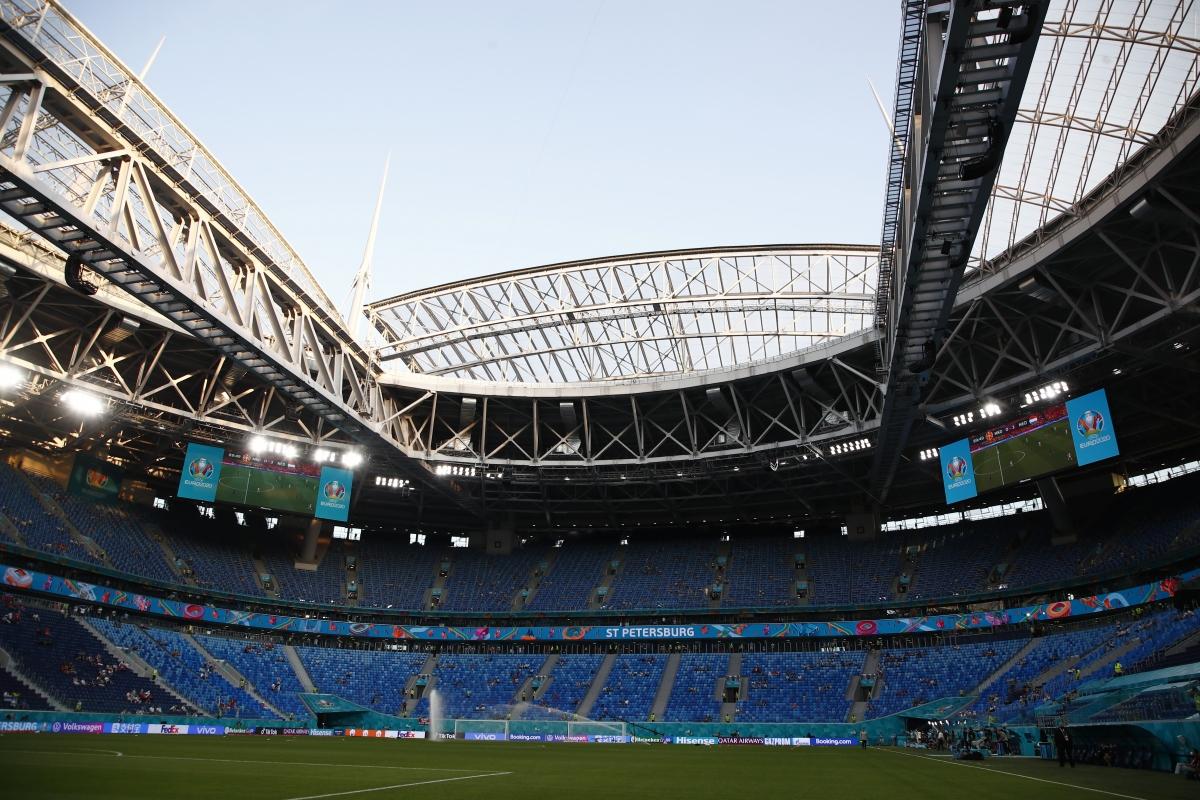 Saint Petersburg mở hội. (Ảnh: Reuters).