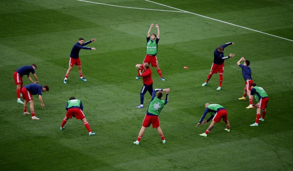 Các cầu thủ đá chính của Nga. (Ảnh: Reuters)