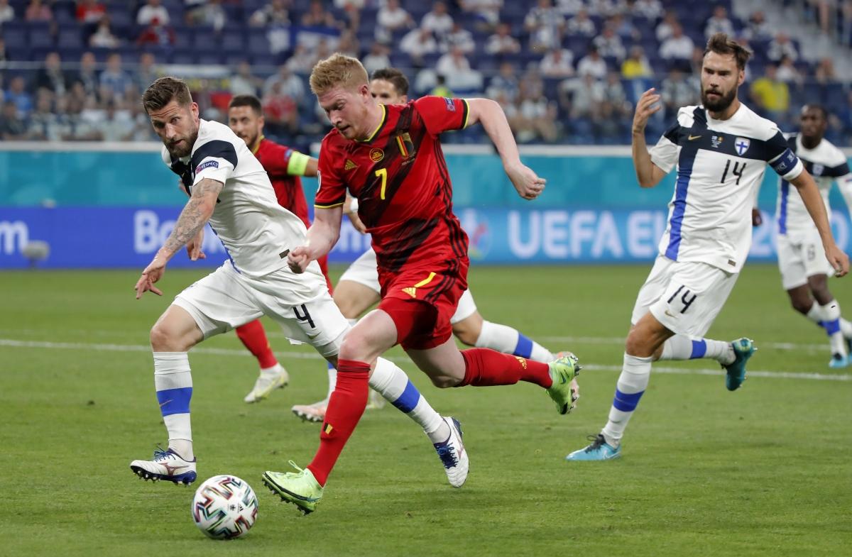 Bỉ vẫn bế tắc trong việc tìm đường vào khung thành thủ môn Hradecky. (Ảnh: Reuters).