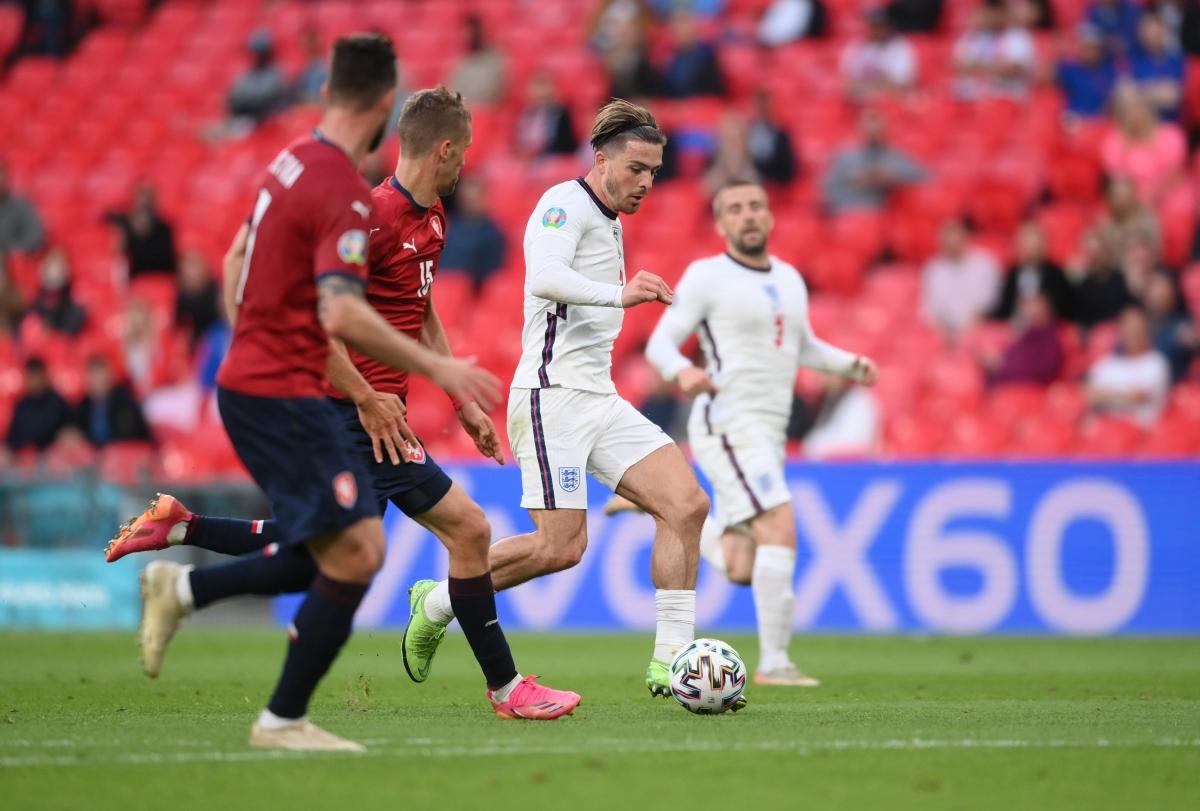 Grealish đang chơi tốt trong lần đầu tiên đá chính tại EURO 2021. (Ảnh: Reuters).