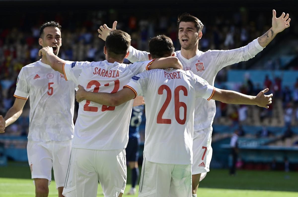Tây Ban Nha thắng 5 sao trước Slovakia (Ảnh: Reuters).