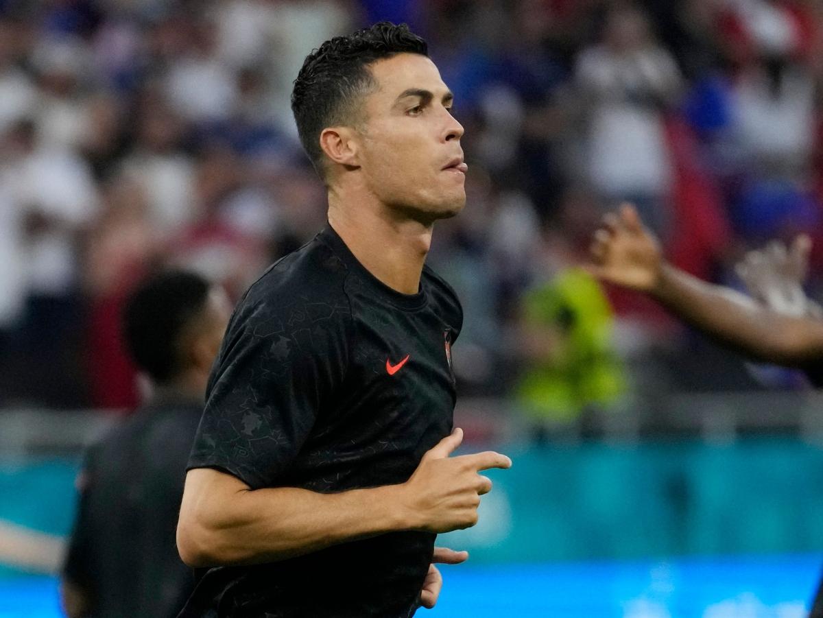 Ronaldo sẽ chinh phục cột mốc lịch sử 109 bàn cho Bồ Đào Nha đêm nay? (Ảnh: Reuters).