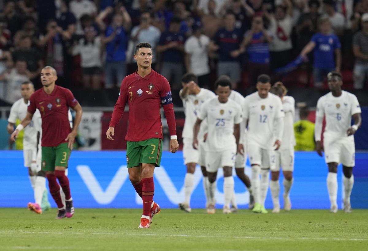 Vẻ thất vọng của Ronaldo sau khi Bồ Đào Nha bị gỡ hòa. (Ảnh: Reuters).