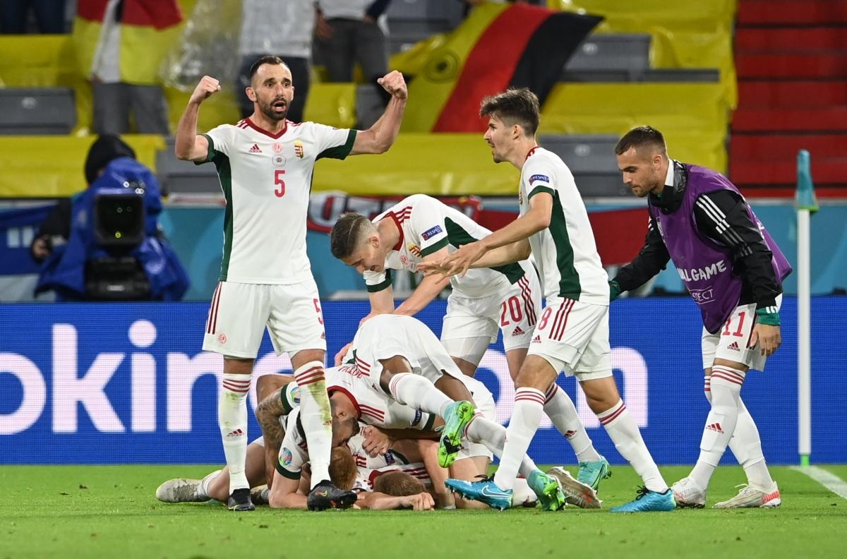 Niềm vui vỡ òa của các cầu thủ Hungary. (Ảnh: Reuters)