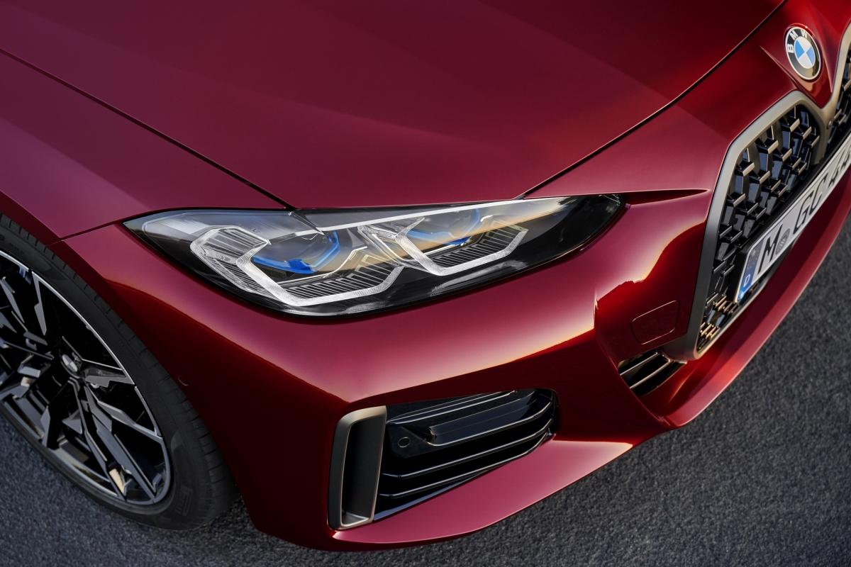 M440i xDrive Gran Coupe cũng được trang bị tiêu chuẩn với bộ vi sai M Sport có thể được bổ sung cho 430i Gran Coupe thông qua gói xử lý động.