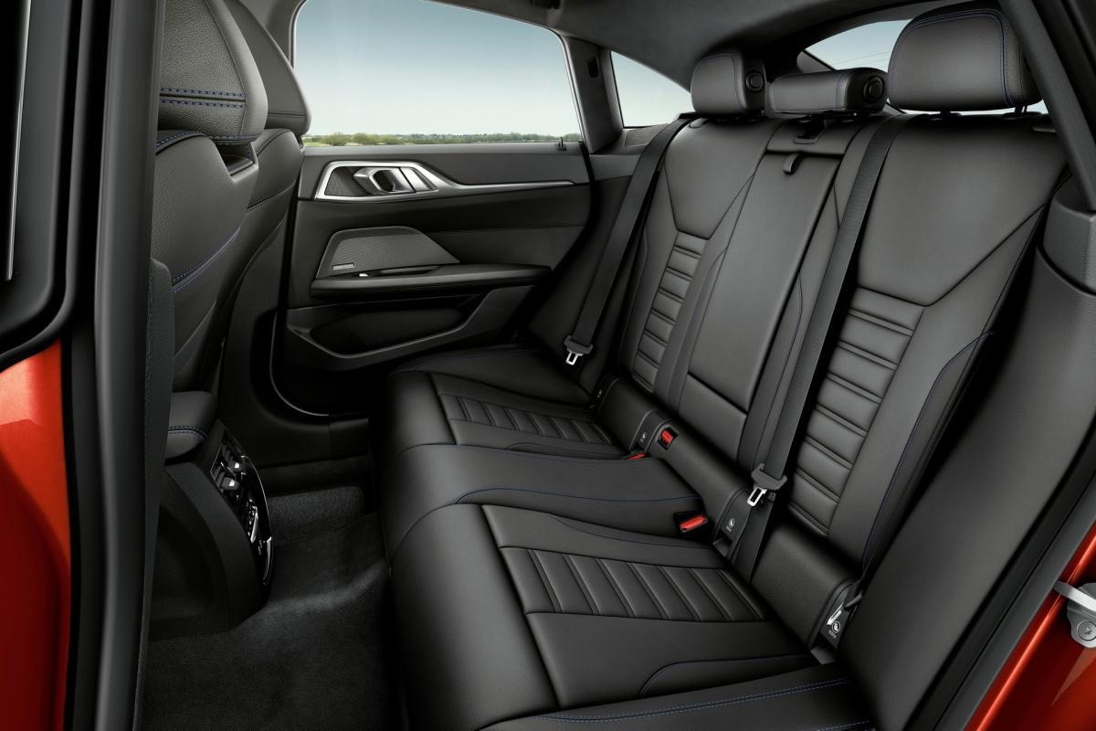 Giá khởi điểm của BMW 430i Gran Coupe là 44.800 USD, trong khi M440i xDrive Gran Coupe có giá từ 58.000 USD./.