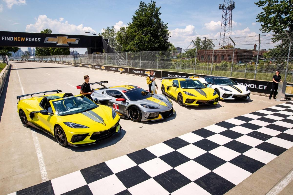 Về phần phiên bản đặc biệt, nó được đặt tên là Corvette Stingray IMSA GTLM Championship Edition và được giới hạn chỉ 1.000 chiếc.