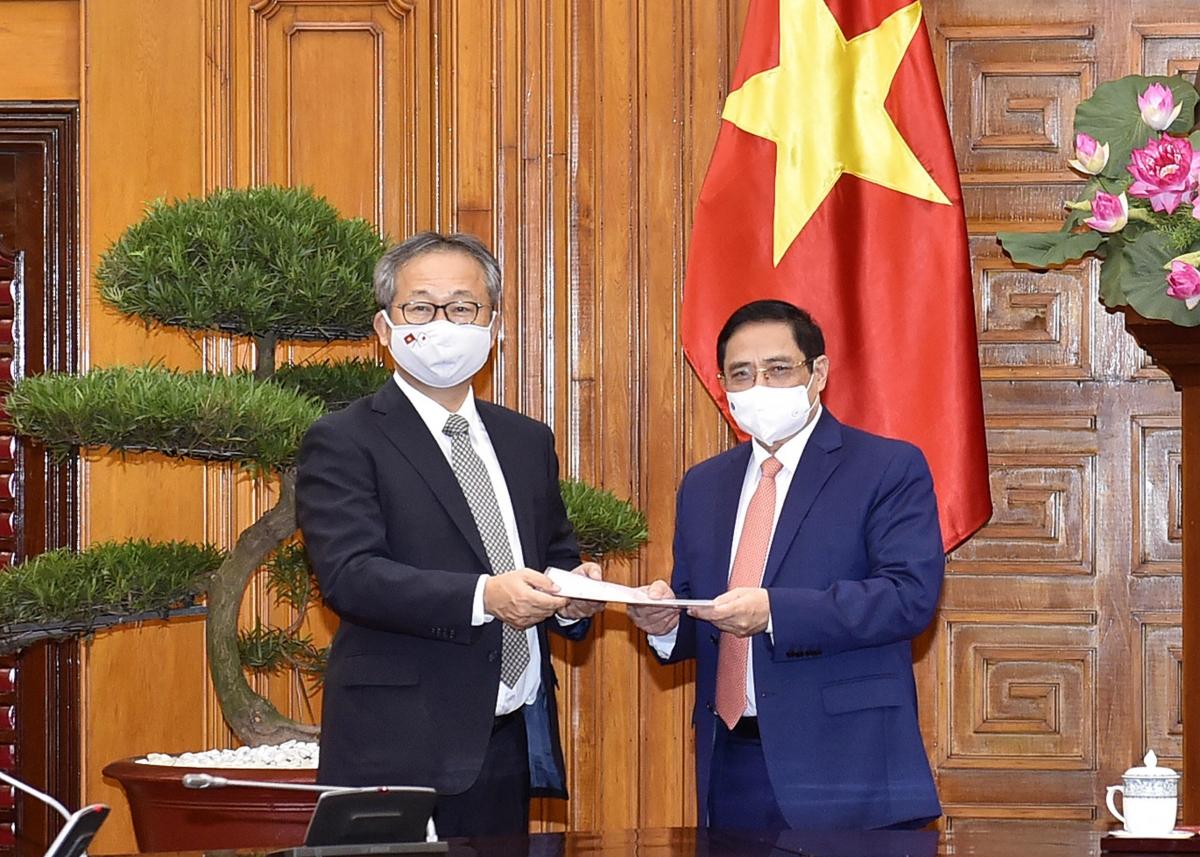 Nhật Bản quyết định tặng 1 triệu liều vaccine giúp Việt Nam phòng chống Covid-19.
