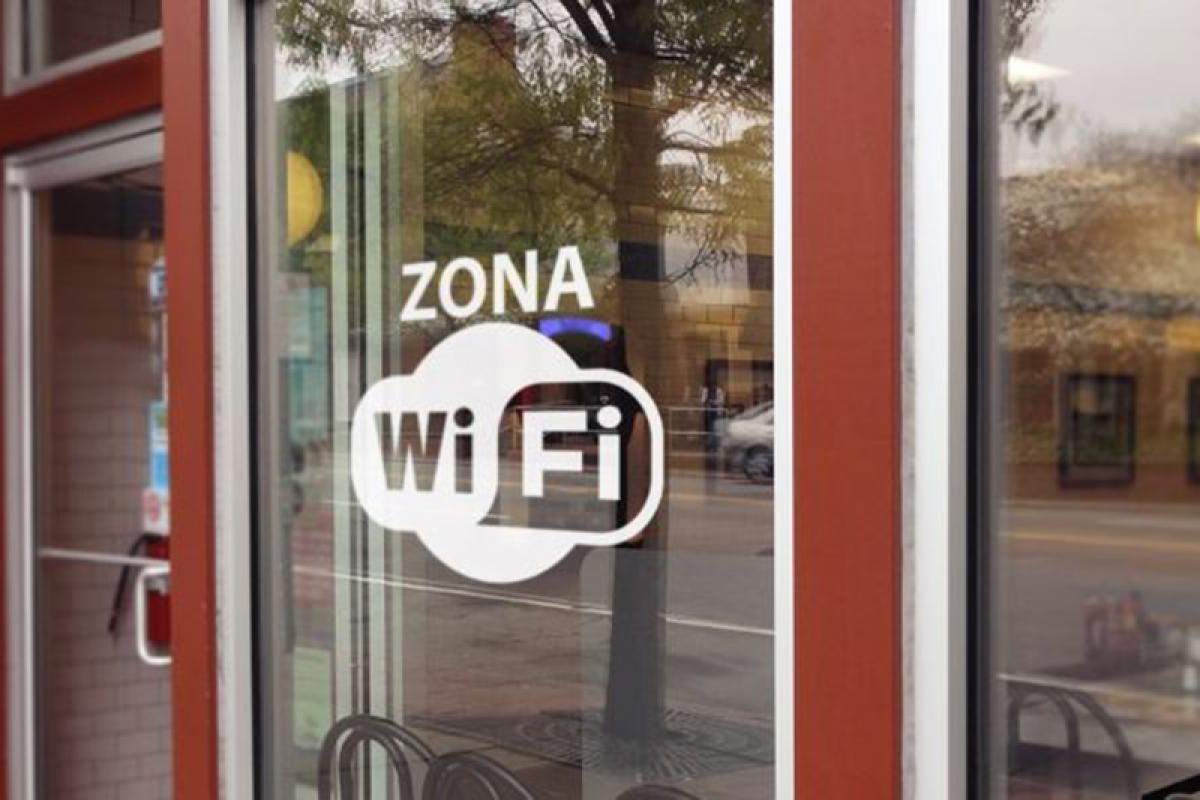Hãy cẩn thận khi truy cập vào các điểm Wi-Fi có ký tự lạ.