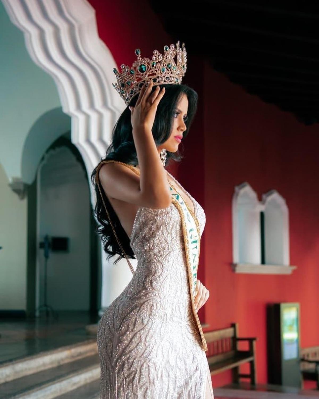María José Sazo không phải gương mặt mới trong lĩnh vực sắc đẹp. Cô từng đăng quang cuộc thi National Queen of Independence 2018.