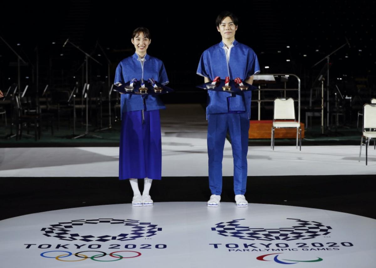 Trang phục tình nguyện viên ( Ảnh: Japantoday)