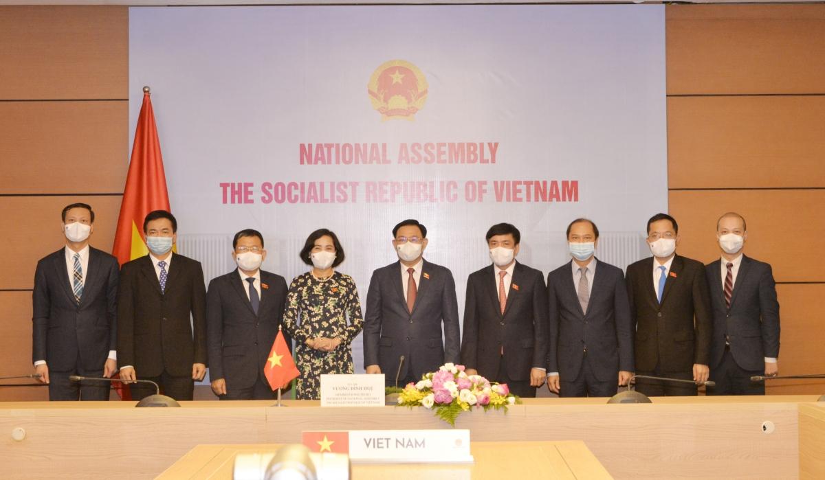 Đoàn đại biểu của Việt Nam tham dự hội đàm
