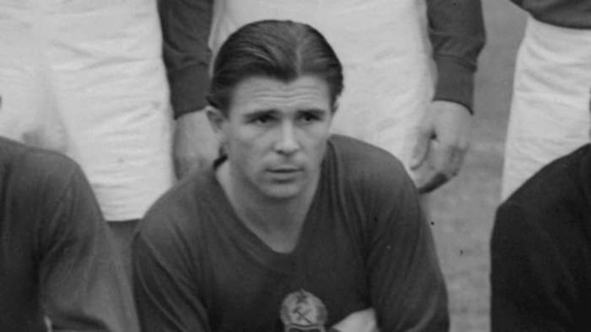 3. Ferenc Puskas | Hungary & Tây Ban Nha | 84 bàn thắng/89 trận đấu