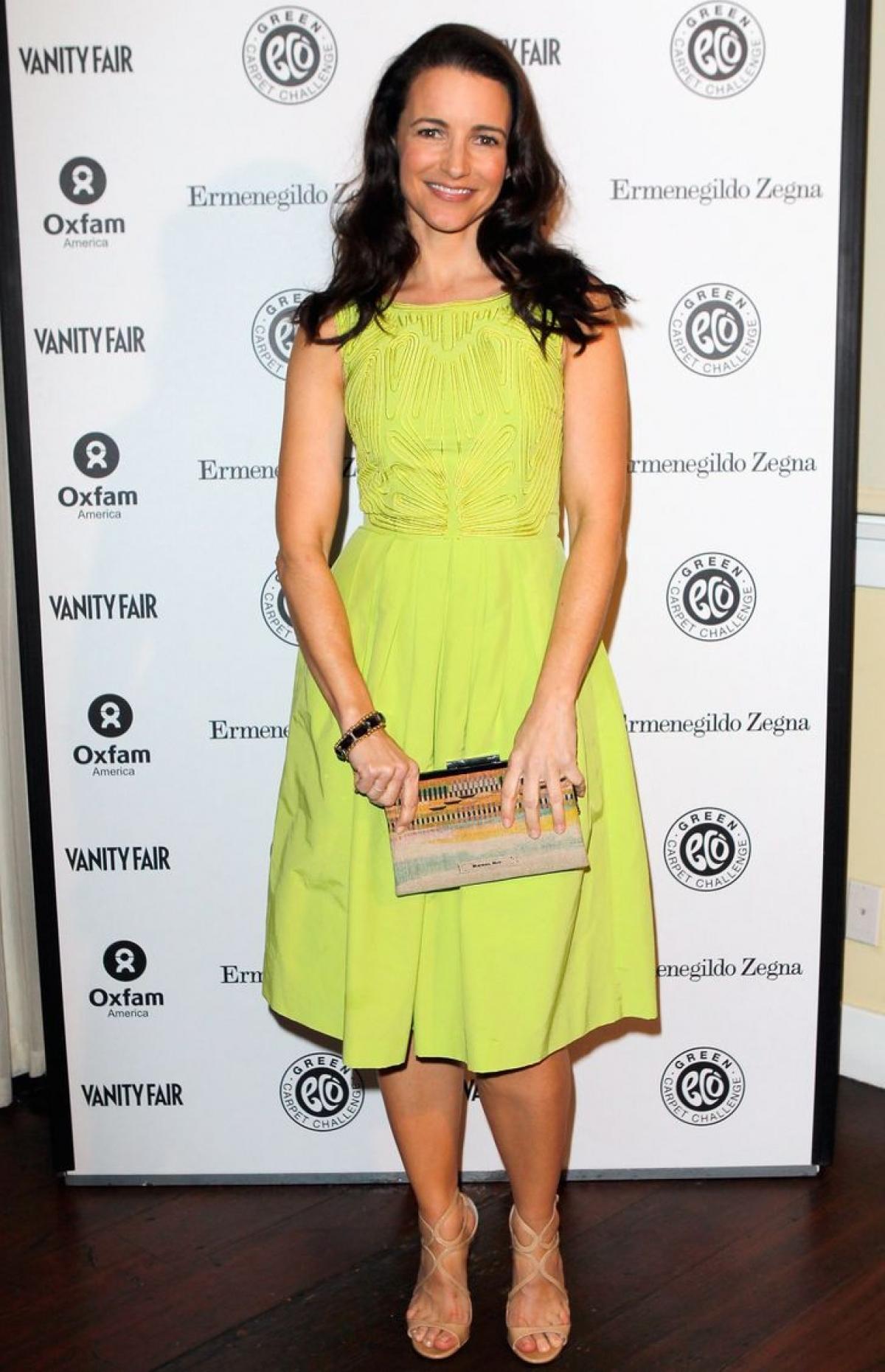 Kristin Davis tự tin trên thảm đỏ với váy H&M.