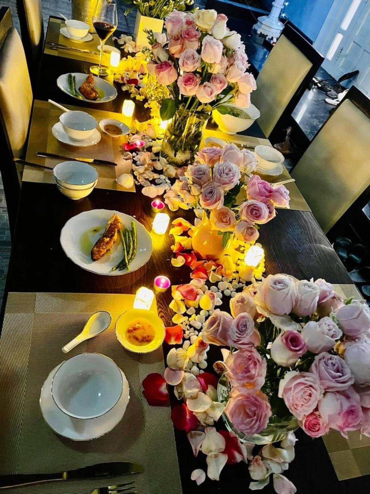 Trước đó, Á hậu Thuý An cũng đã nhận được lời chúc mừng sinh nhật đặc biệt từ dàn Hoa hậu, Á hậu Việt Nam.