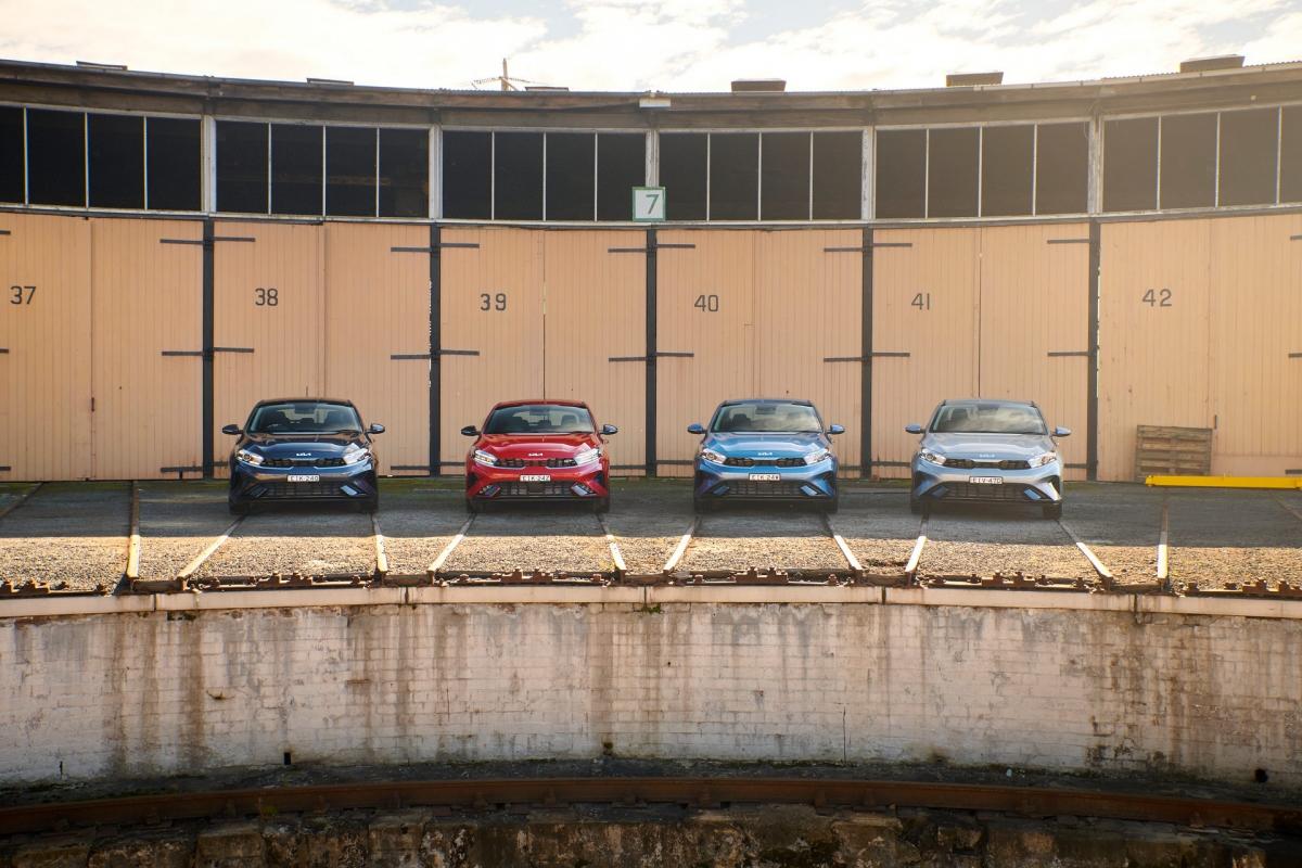 Mức giá khởi điểm 20.157 USD (tương đương 348 triệu đồng) cho phiên bản thấp nhất Cerato S, 21.709 USD (tương đương 375 triệu đồng) cho phiên bản Sport, 25.354 USD (tương đương 438 triệu đồng) cho phiên bản Sport+ và 28.689 USD (tương đương 496 triệu đồng) cho phiên bản GT cao cấp nhất. Mức giá dành cho mẫu Hatch hay Sedan cũng tương tự.